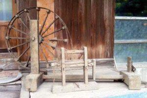 糸車と綿繰り機