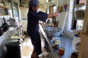 手絞りの白浜豆腐工房