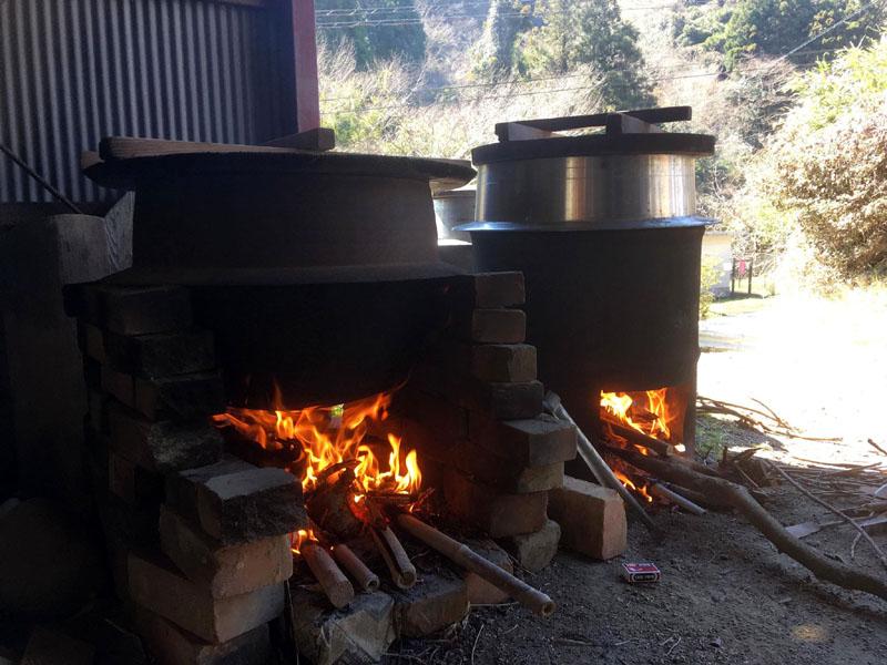 たっぷりのお湯を沸かす 醤油搾り