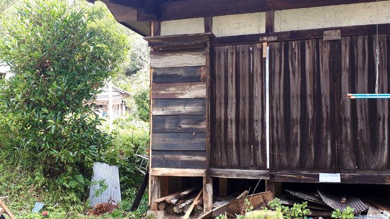 台風15号で飛ばされた木戸補修