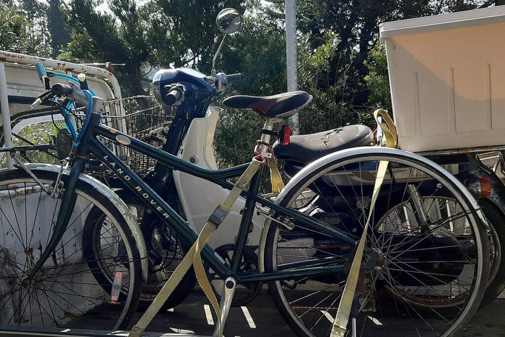 自転車とバイク